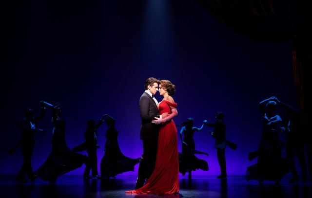 andy-karl-samantha-barks-and-company-in-pretty-woman-the-musical-photo-by-matthew-murphy-2018
